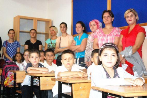 Sınıfa kayıt yaptıran öğrencilerin okul heyecanı başladı